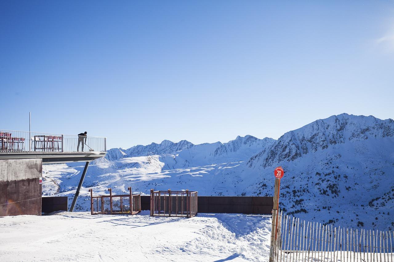 Por qué crear una empresa digital en Andorra en este 2021? Montar una empresa digital en Andorra se ha convertido en la opción de muchos inversores y emprendedores que buscan sacar adelante su proyecto